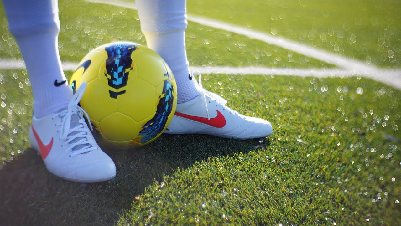 Picking the Right Soccer Cleats for Youth Soccer